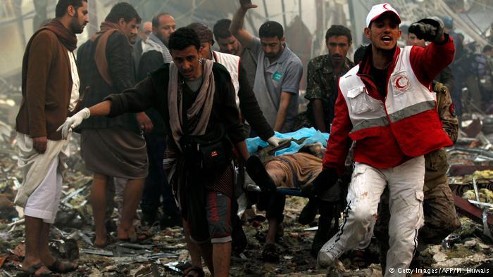 Jemen Luftangriffe in Sanaa mit Dutzenden Toten und Verletzten (Getty Images/AFP/M. Huwais)