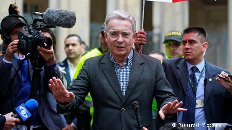Kolumbien Referendum Gegener des Friedensbakommens scheinen vorne zu liegen Alvaro Uribe (Reuters/J. Vizcaino )