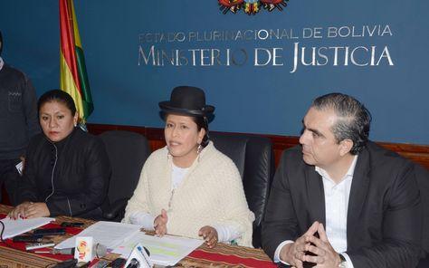 Los ministros de Justicia y de Autonomías en declaraciones a los medios. Foto: Ministerio de Justicia
