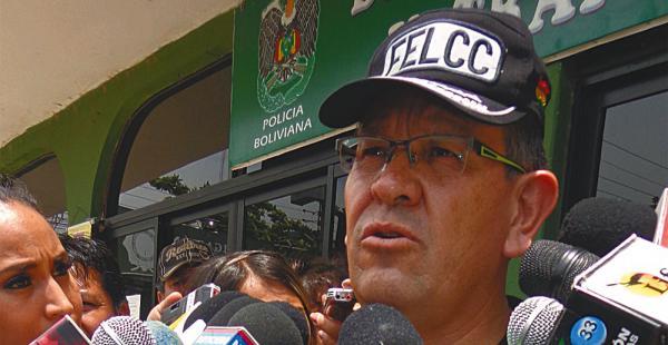Gonzalo Medina mostró la foto de Gonzales, al que están buscando