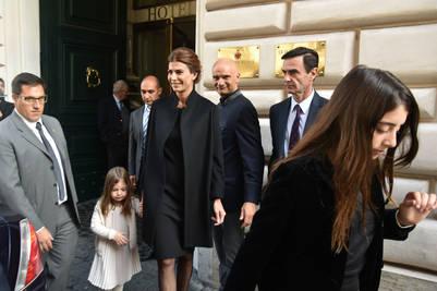 Juliana Awada sale con sus hijas del hotel De Russie rumbo al Vaticano para la audiencia Papa Francisco. Víctor Sokolowicz/Clarín