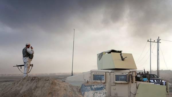 Humo. En los alrededores de Mosul, tras los bombardeos de la coalición. /AP