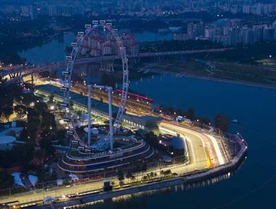 La Singapore Flyer, en la ciudad asiática, tiene 165 metros de altura.