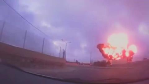 El trágico momento en que una avioneta se estrella y estalla en Malta