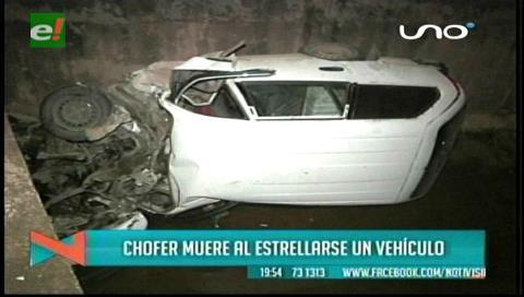 Hombre muere tras impactar su auto con la baranda de un canal de drenaje