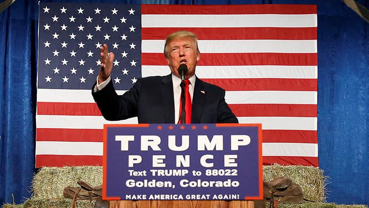 Donald Trump, candidato a la presidencia por el Partido Republicano brinda un discurso de campaña en el condado de Golden, Colorado. 29 de octubre de 2016.