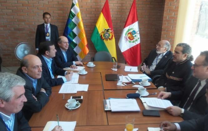 Reunión Bolivia-Perú avanza en Sucre con la expectativa de acordar el tren bioceánico central