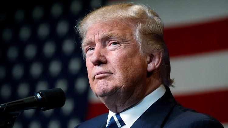El candidato republicano a la presidencia de EE.UU., Donald Trump, habla en un mitin de campaña en Eau Claire, Wisconsin, EE.UU., el 1 de noviembre de 2016.