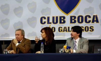 Martín Báez junto a Cristina Kirchner en la inauguración del Club Boca de Río Gallegos.