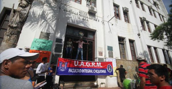 Estudiantes de San Ignacio de Velasco se radicalizan