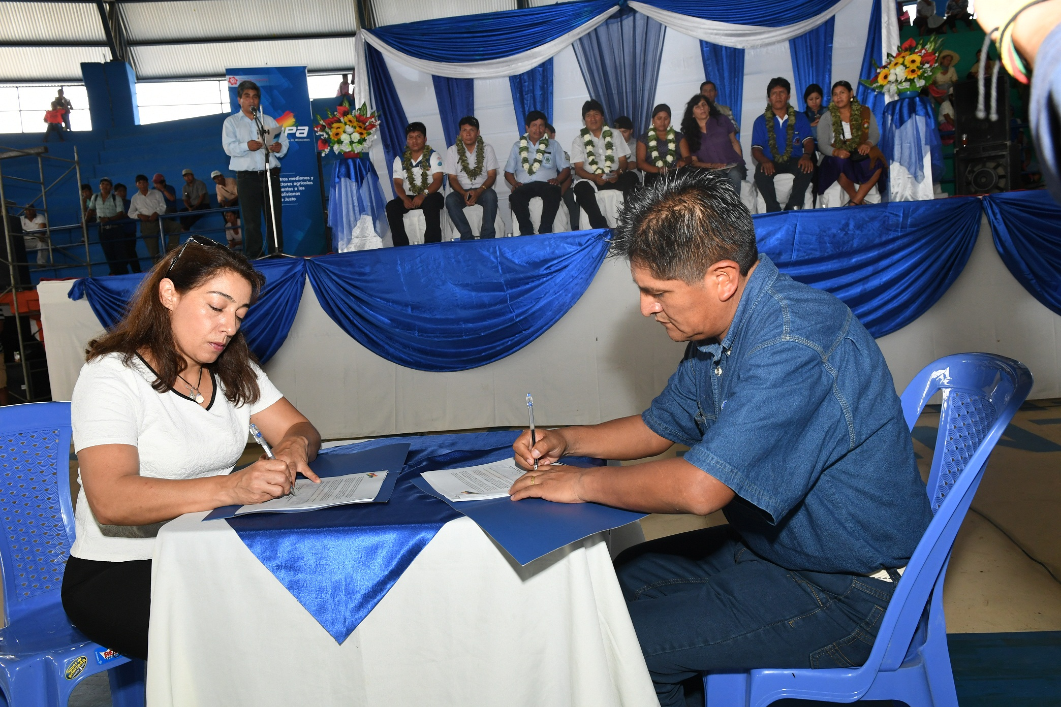 Participará presidente boliviano en homenajes a Fidel Castro