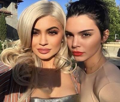 Las hermanas Jenner usan la app Perfect365 para editar sus fotos antes de compartirlas en sus redes sociales.