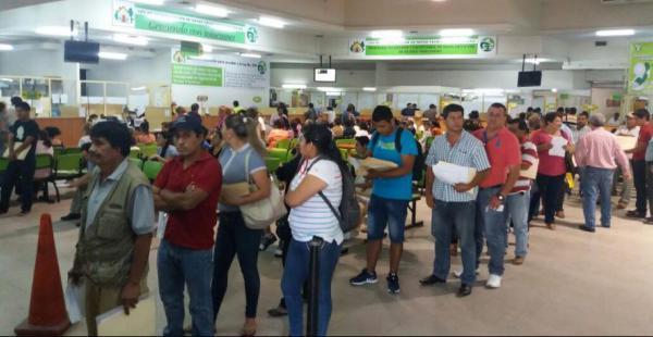 Se espera que entre hoy y el miércoles aumenten las filas de contribuyentes para acogerse al perdonazo