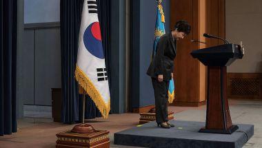 La presidenta de Corea del Sur, Park Geun-hye, ya se ha disculpado en varias ocasiones por su papel en el escándalo. (Ed Jones-Pool/Getty Images)