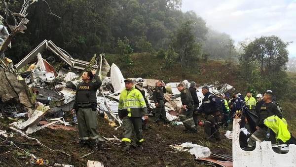 Después. La desgarradora imagen de los restos de la aeronave de la empresa boliviana LaMia. (AP)