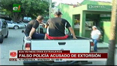 Falsos policías quitaron $us 9.600 a extranjeros