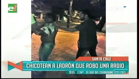 """Vecinos """"chicotean"""" a ladrón que robó una radio de un vehículo"""