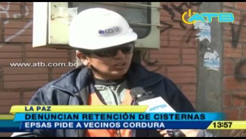 Epsas denuncia que cisternas son retenidas en algunos barrios de La Paz