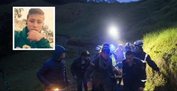 Johan, es el menor que ayudó a los rescatistas la noche del accidente