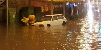 Granizo y lluvia intensa cae en la ciudad de La Paz
