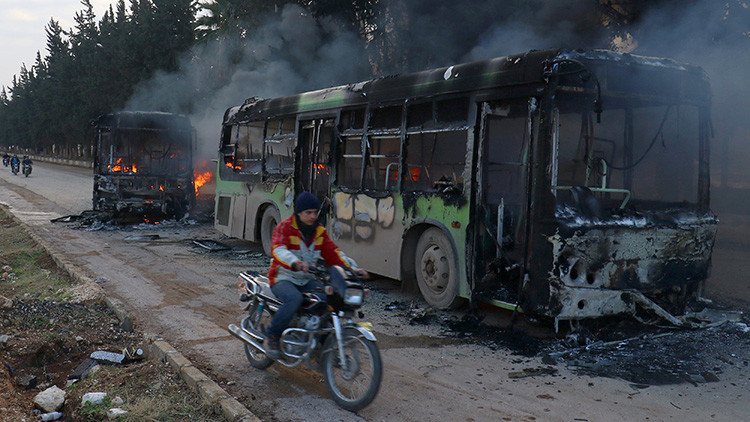Evacuación de Alepo se suspende por quema de autobuses