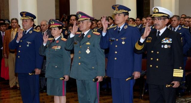 Resultado de imagen para Alto Mando Militar Bolivia