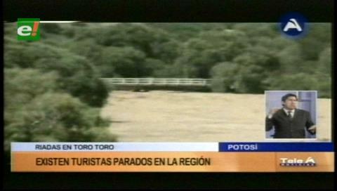 Lluvia destruye una vía en Toro Toro y bloquea a turistas