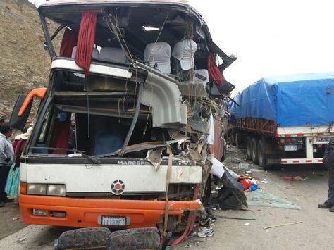 Así quedó el bus de la empresa Trans Americana después del accidente. Foto: Fernando Cartagena