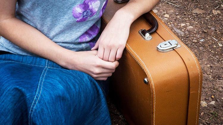 Intenta sacar a su novio de la cárcel en una maleta y queda presa (Fotos)