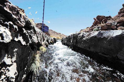Recurso. El agua del Silala fluye hacia territorio chileno a través de un sistema de canales artificiales. Foto: La Razón