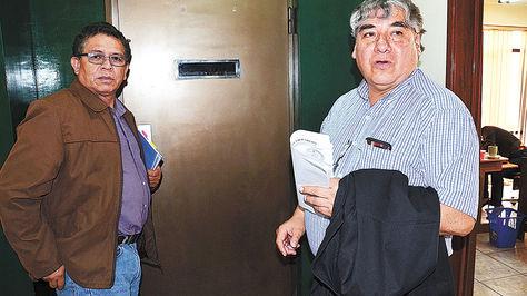 Dirigentes. RolandoLópez (izq.), titular de la FBF, junto a FreddyCortez, presidente de la ANF.