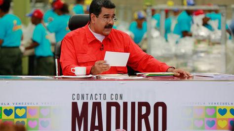 El presidente de Venezuela, Nicolás Maduro en plena transmisión de su programa televisivo semanal.