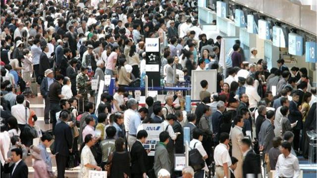 Las demoras en los aeropuertos es un dolor de cabeza para los pasajeros
