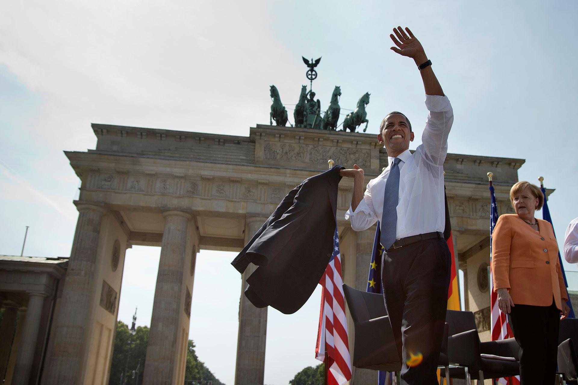 En su visita a Berlín, Barack Obama dio un histórico discurso frente a la puerta de Brandenburgo el 19 de junio de 2013 (AP)