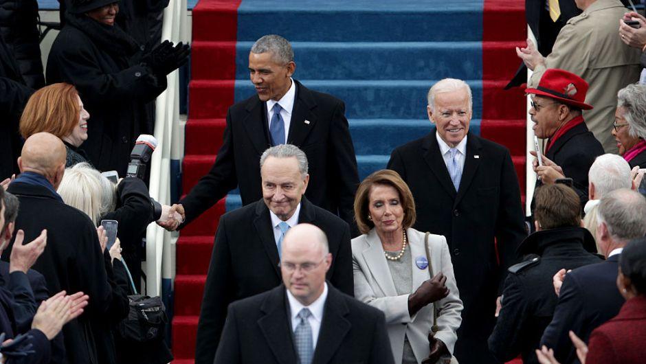 La última aparición de Barack Obama y Joe Biden como presidente y vicepresidente, respectivamente, a su llegada al Capitolio Nacional para la investidura de Donald Trump como presidente. (Crédito: Alex Wong/Getty Images)