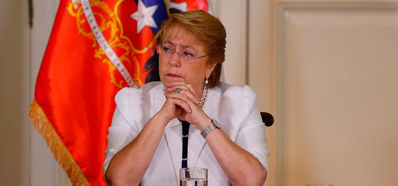 Presidenta Bachelet suspende viaje a Cumbre CELAC por incendios