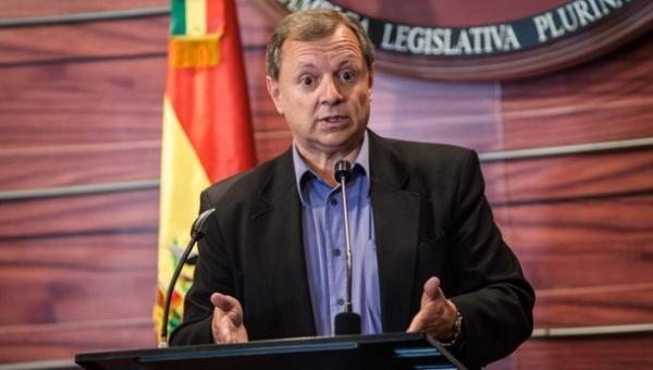 Resultado de imagen para El presidente de la Cámara de Senadores, José Alberto Gonzales