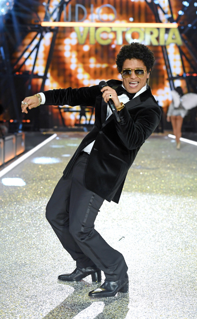 Bruno Mars, 2016 Victoria