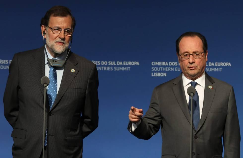 El presidente frances, François Hollande, junto al presidente español, Mariano Rajoy, este sábado 28 de enero de 2017 en la cumbre de países del sur de la UE en Lisboa (Portugal).