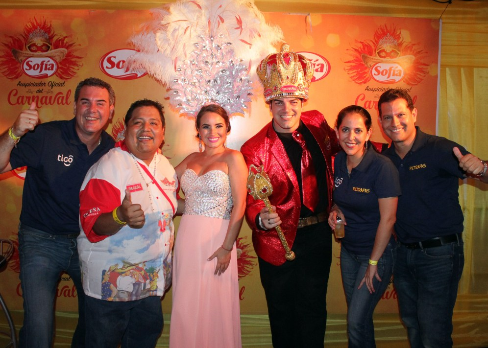 Mauro Mata, Javier Vargas, Oriana I, Rodrigo Mendez Roca, Chantal Guillen y Mauricio Caballero