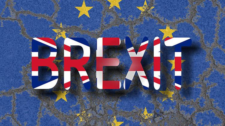 El Parlamento británico vota a favor de la ley que respalda el 'Brexit'