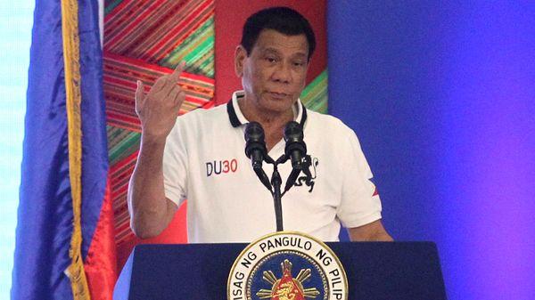 Denuncian a Rodrigo Duterte por violaciones a los derechos humanos (Reuters)