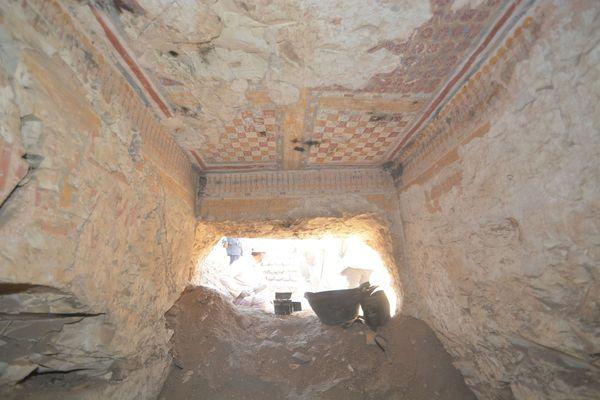 Los arqueólogos hallaron el agujero mientras realizaban labores de limpieza en otra tumba