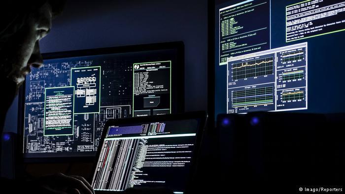 Symbolbild Hacker -Cyberangriff (Imago/Reporters)