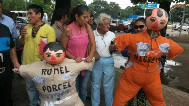 Vecinos simpatizantes de Santa Cruz para Todos salieron en marcha para apoyar a Rommel Pórcel y a la Alcaldía