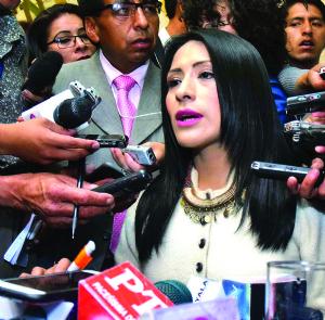 """Wilma Alanoca, sobre los despidos: """"Estamos en la libertad de hacerlo"""""""
