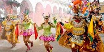 Morales dice que el Carnaval de Oruro es una gran muestra de la riqueza cultural de Bolivia