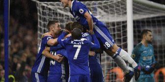 El Chelsea acaricia la Premier y el Leicester cae al descenso