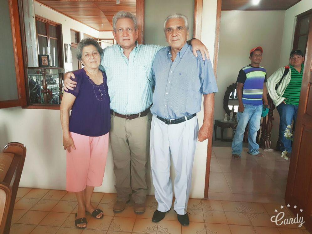 Rubén Costas y padres de Carmelo Lens