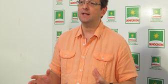 Bancada Demócrata rechaza Ley General de la Coca porque legaliza producción de hoja destinada al narcotráfico